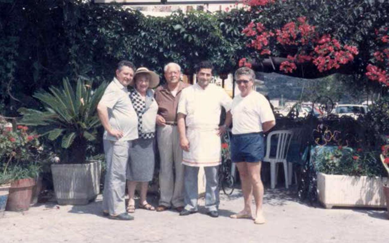 famiglia-bernardi-ristorante-filippino-lipari.png