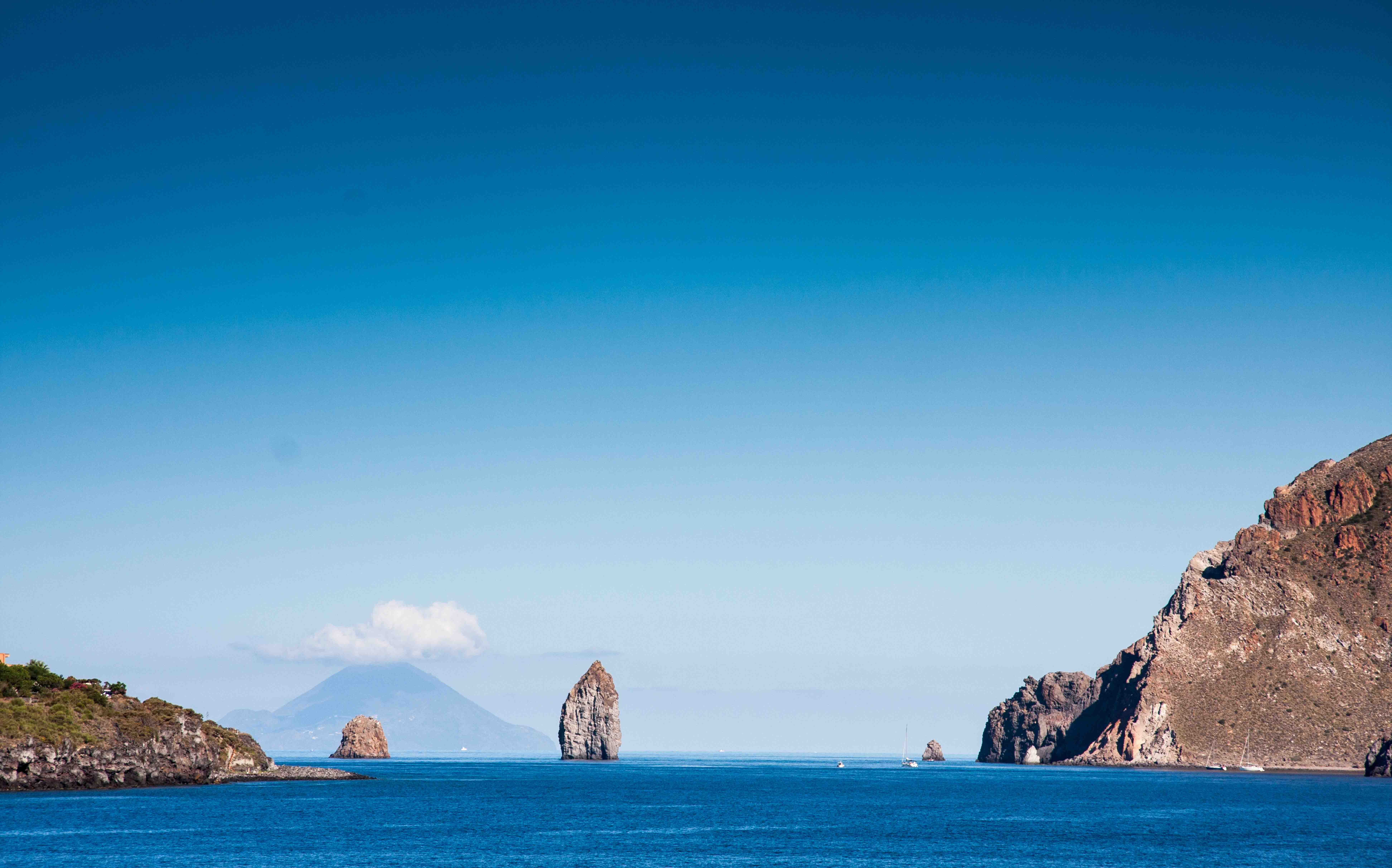 isole-eolie-lipari-salina.jpg